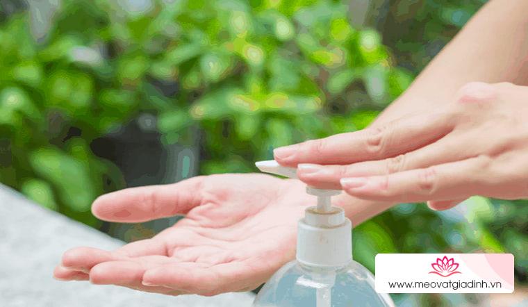 Nước rửa tay tràn lan trên thị trường, đâu mới là loại nước rửa tay diệt vi khuẩn hiệu quả?