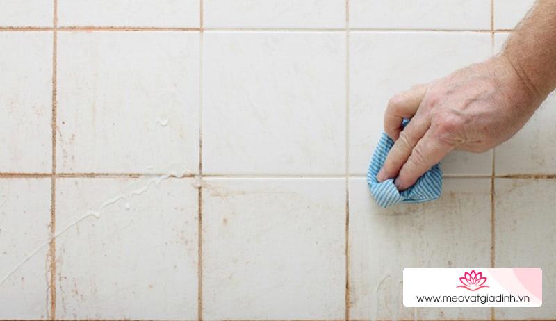 Cách làm sạch gạch men sáng bóng tại nhà, không tốn 1 đồng