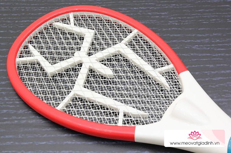 Cách sử dụng và bảo quản vợt bắt muỗi hiệu quả