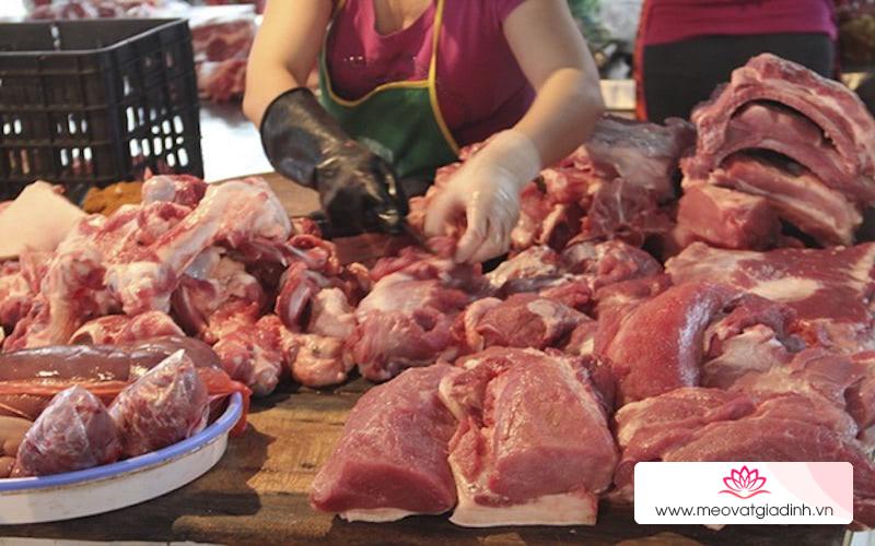Giá thịt lợn sốt từng ngày khiến các mặt hàng khác cũng đùng đùng tăng giá