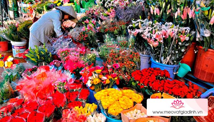 Mẹo giữ cho hoa tươi lâu hơn trong ngày Tết