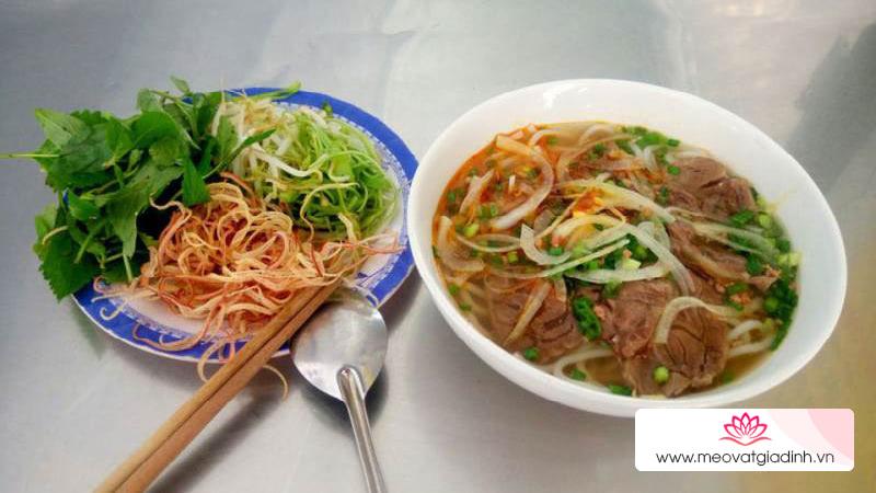 Ở Phú Nhuận thì ăn sáng ở đâu ngon?