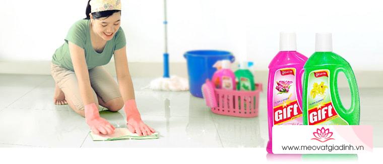 Vì sao bạn nên mua nước lau sàn để làm sạch sàn nhà?