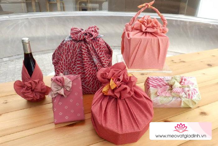 Cách gói quà không cần giỏ theo phong cách Furoshiki Nhật Bản