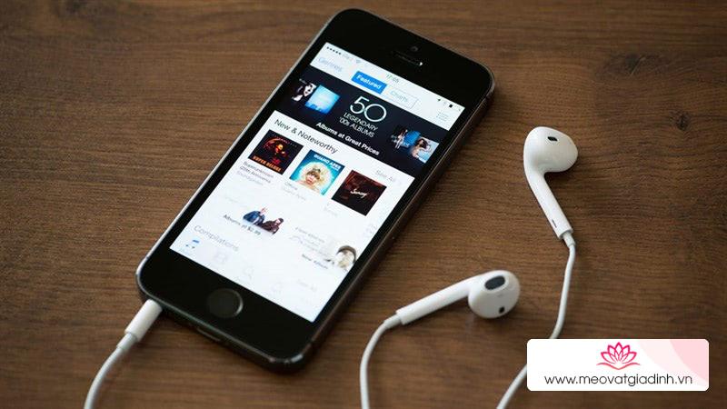 Muốn nghe nhạc một bên tai hay hơn bằng iPhone phải bật tính năng này lên